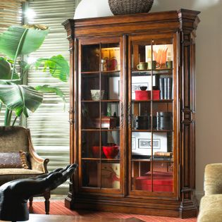 810-990  Display Cabinet