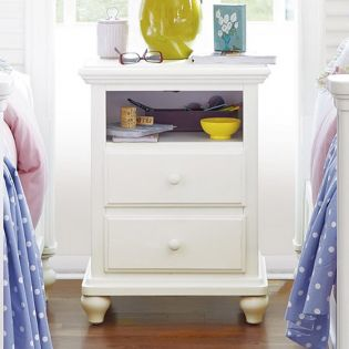 Black and White 437A080  Nightstand