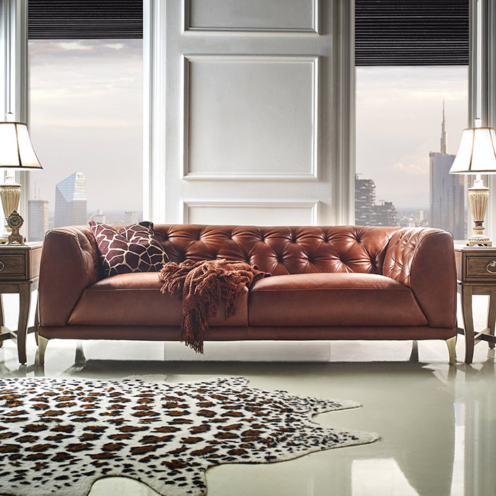 <b> 11810 </b> Leather Sofa