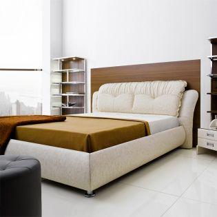 1021  Leather Bed