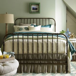 River House 393310  The Guest Metal Bed