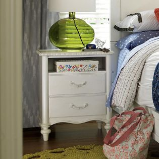 Bellamy 330A080  Nightstand
