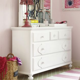 437A002  Drawer Dresser