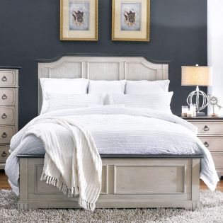 816 Avalon Cove  Queen Panel Bed + Nightstand